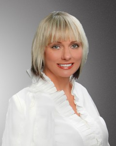 Valerie-st-pete-real-estate-agents-head-shot-239x300